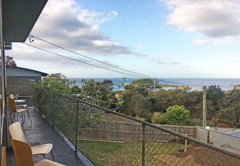 Front deck spcetacular ocean views.